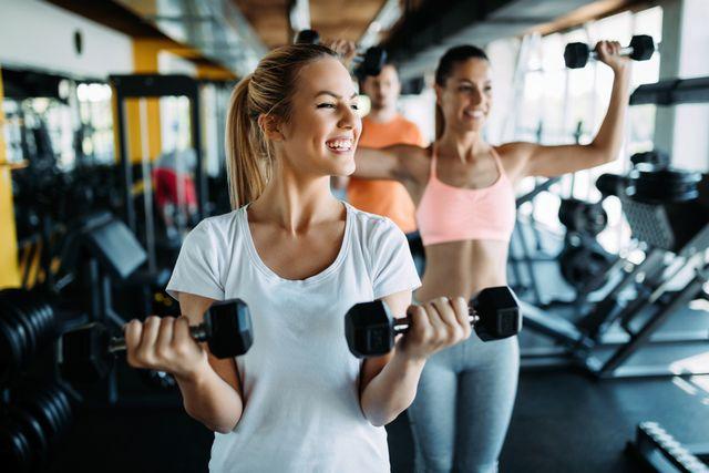 重さは何キロにする?筋トレ初心者が選ぶべきダンベルの重量